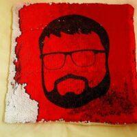 подушка с портретом из пайеток